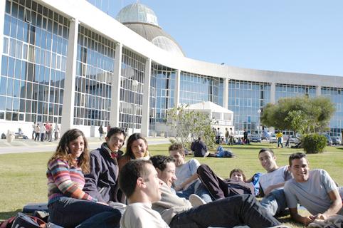 Firma del Convenio para la creación del aula Universitaria UCA - COIN